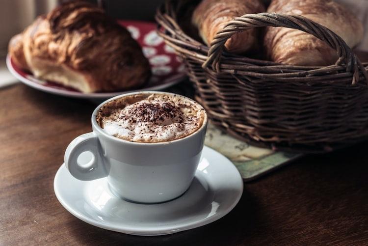 Cappuccino aliado à boa forma: entenda como isso é possível