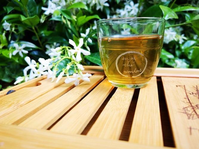 Conheça os benefícios do chá verde: ingrediente do Chá Mix Brasil